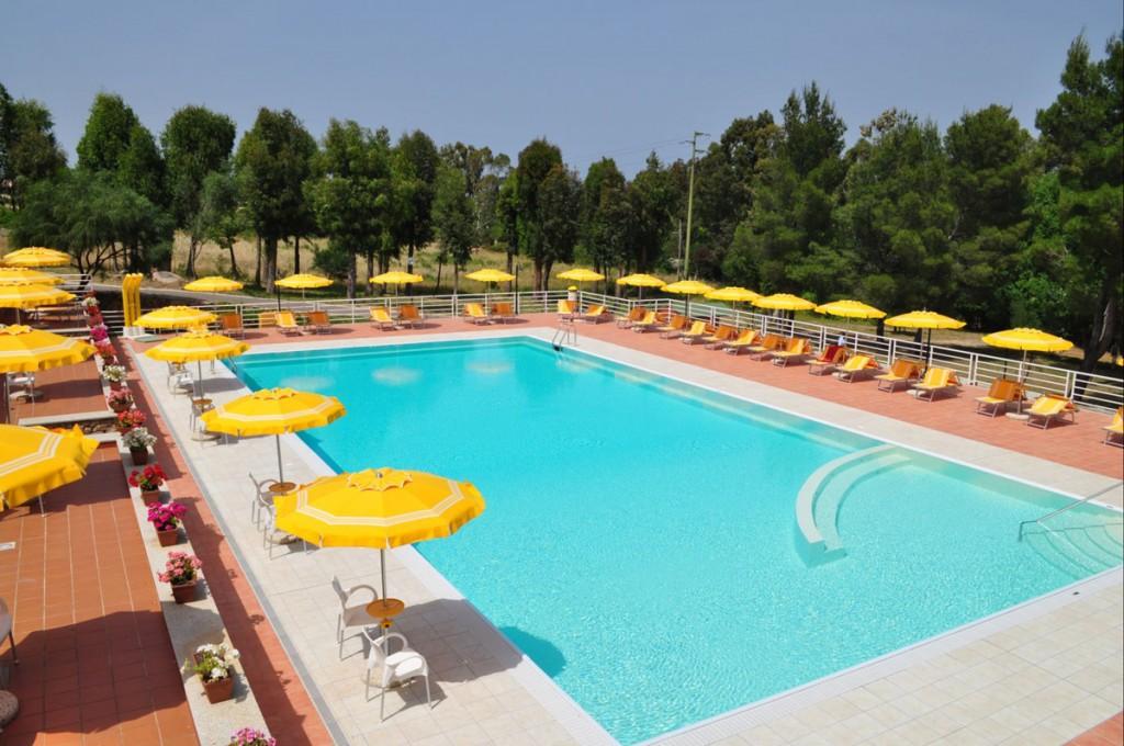 La piscina del Villaggio Camping Golfo di Arzachena