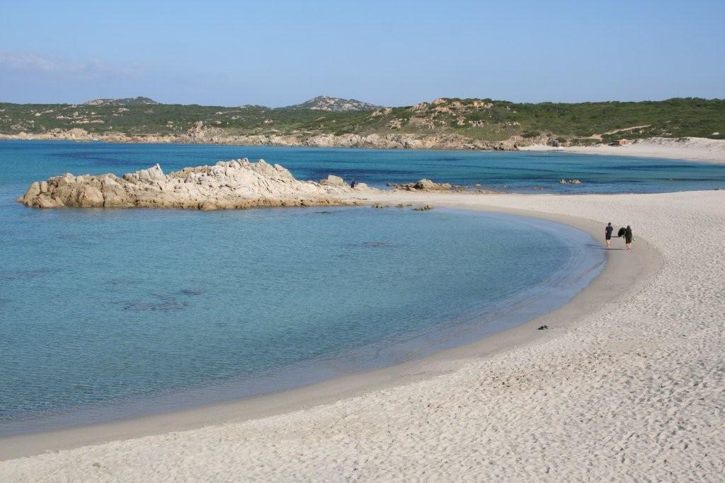 La spiaggia sulla quale si affaccia il Camping La Liccia