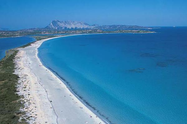 San teodoro vacanze tra le pi belle spiagge della for Sardegna budoni spiagge