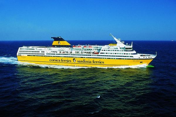 In sardegna con il traghetto sardinia turismo for Nave sardegna