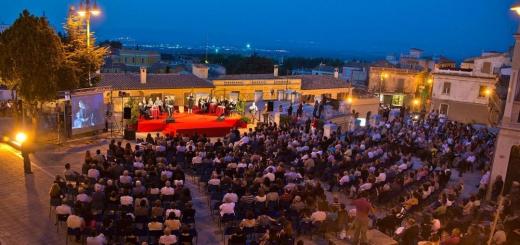 """La cerimonia di premiazione del Premio """"Giuseppe Dessì""""del 2012"""