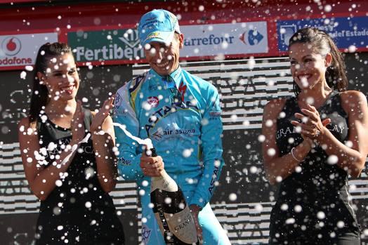 Vuelta: Fabio Aru stacca tutti in salita